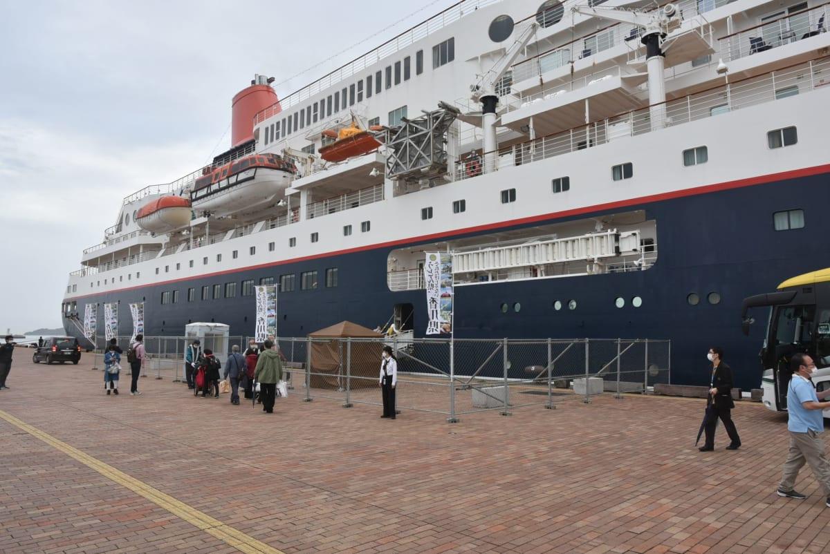 高松港の帰船口です。