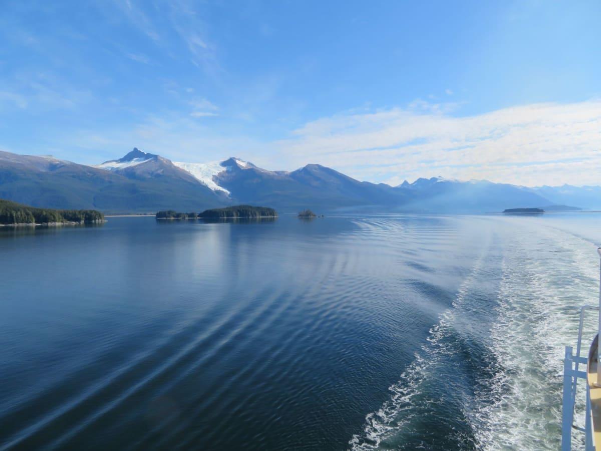 グレーシャーベイ沖の景観 | グレイシャーベイ(アラスカ州)