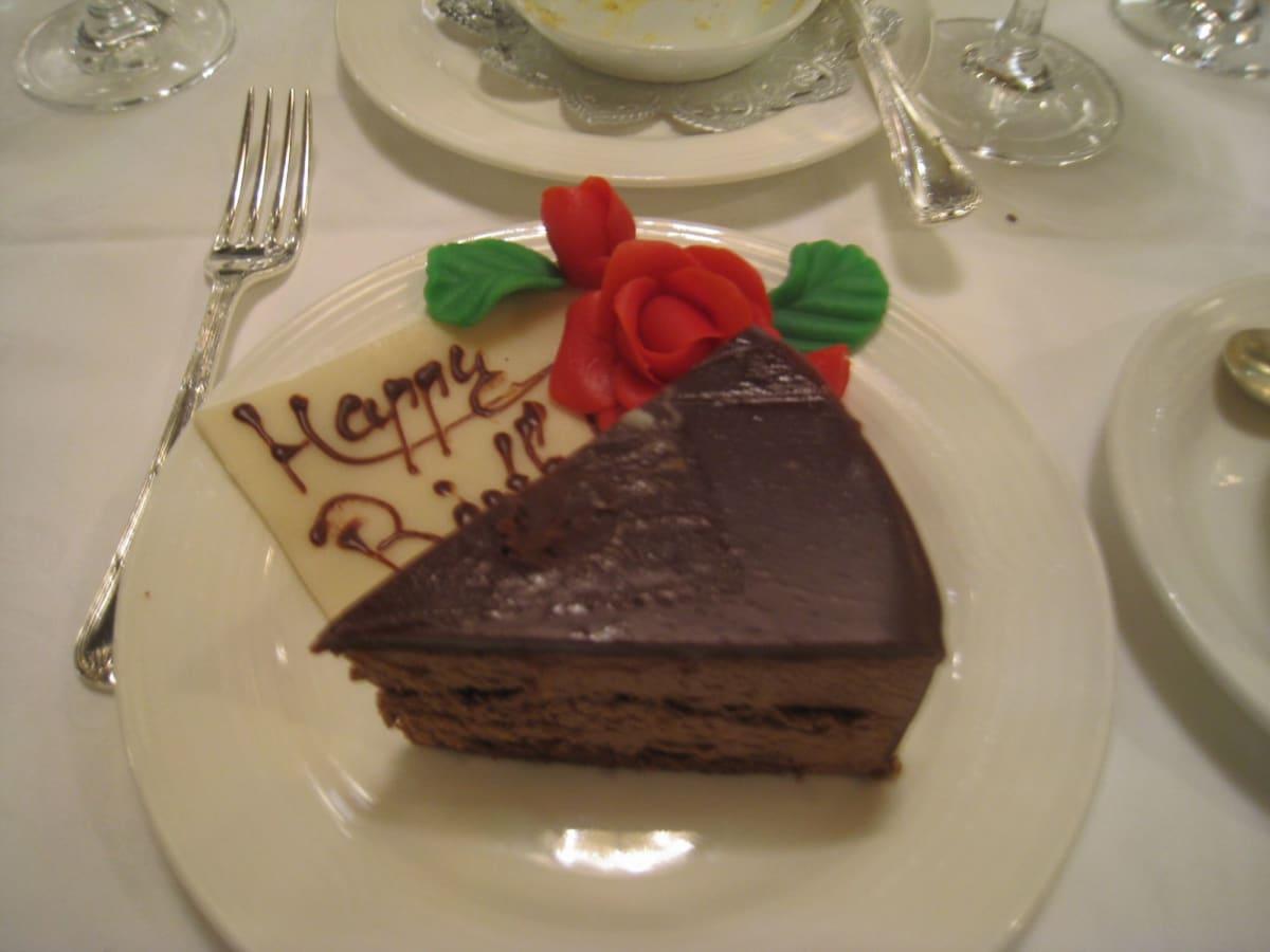 甘さ控え目の美味しいケーキでした。 | 客船飛鳥2のダイニング、フード&ドリンク