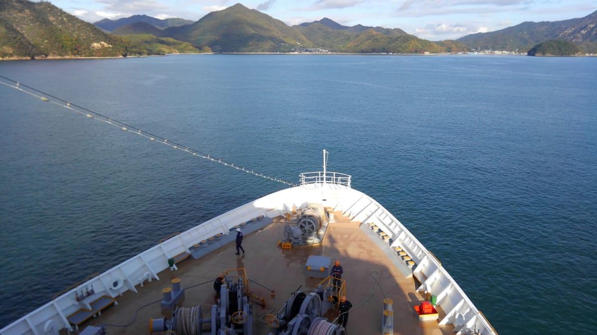 #大三島出港 | 客船にっぽん丸のダイニング、フード&ドリンク