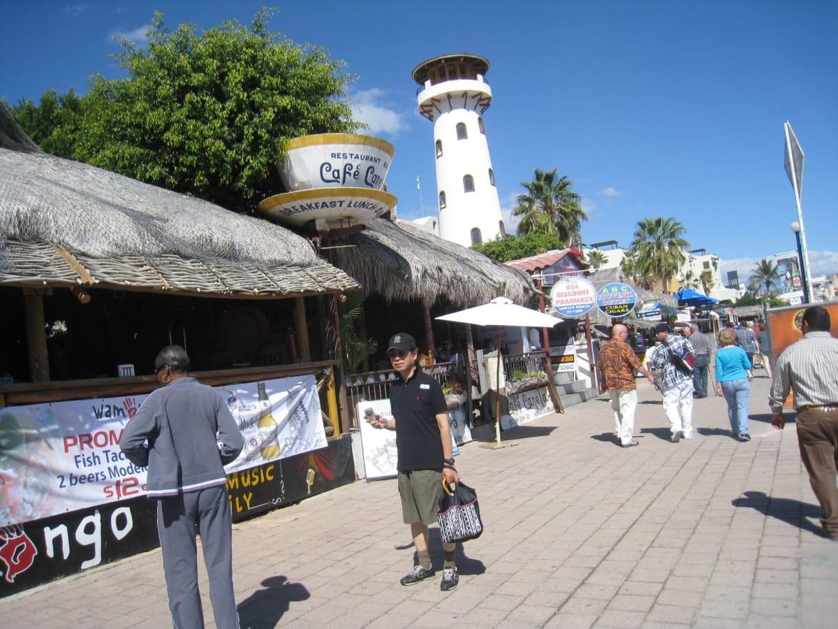 メキシコのロスカボスまで南下して、戻りました。