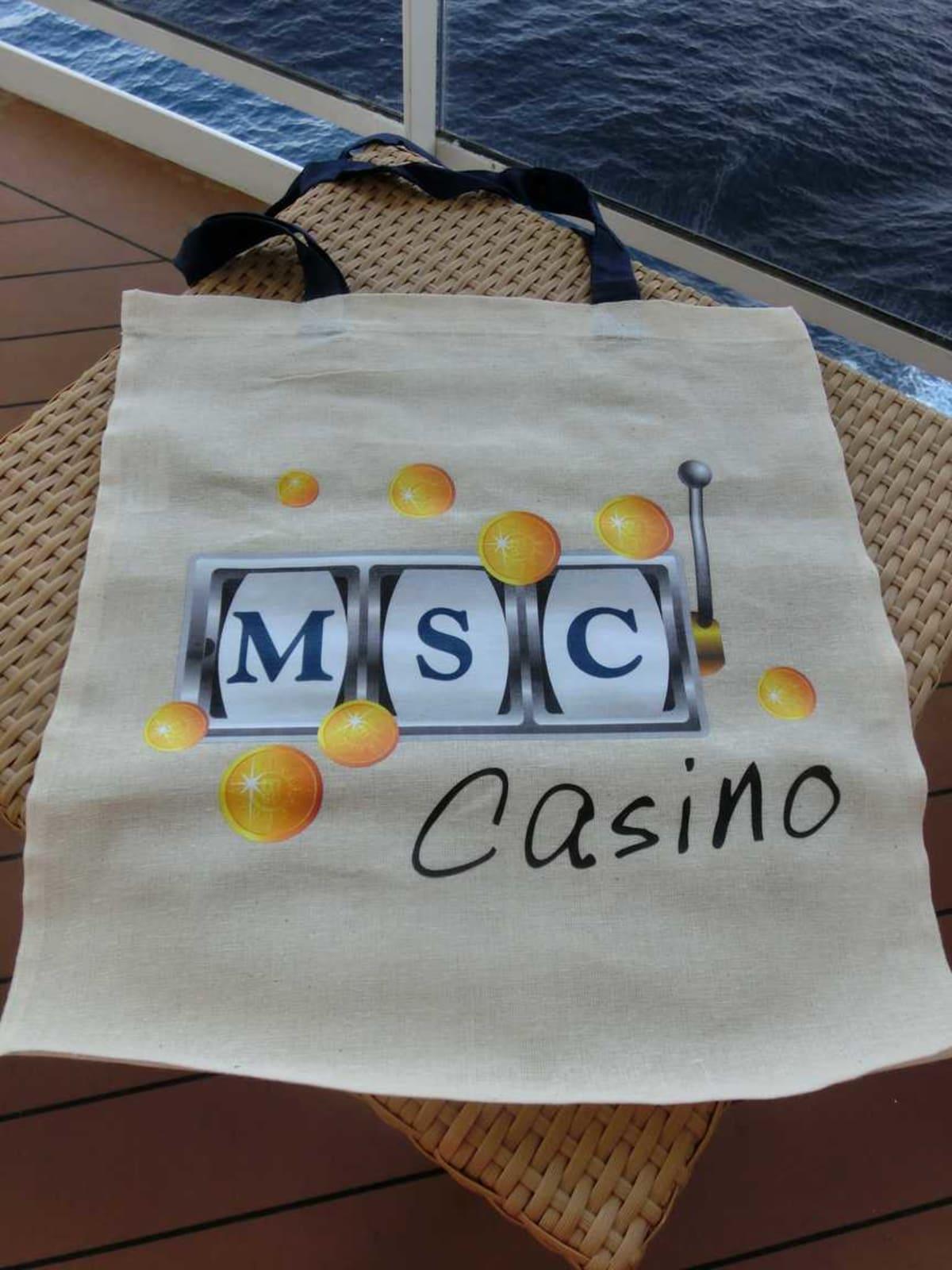 DREAM POINTSでもらったショッパーバッグ。ちょっと生地が薄すぎ。 | 客船MSCスプレンディダのアクティビティ