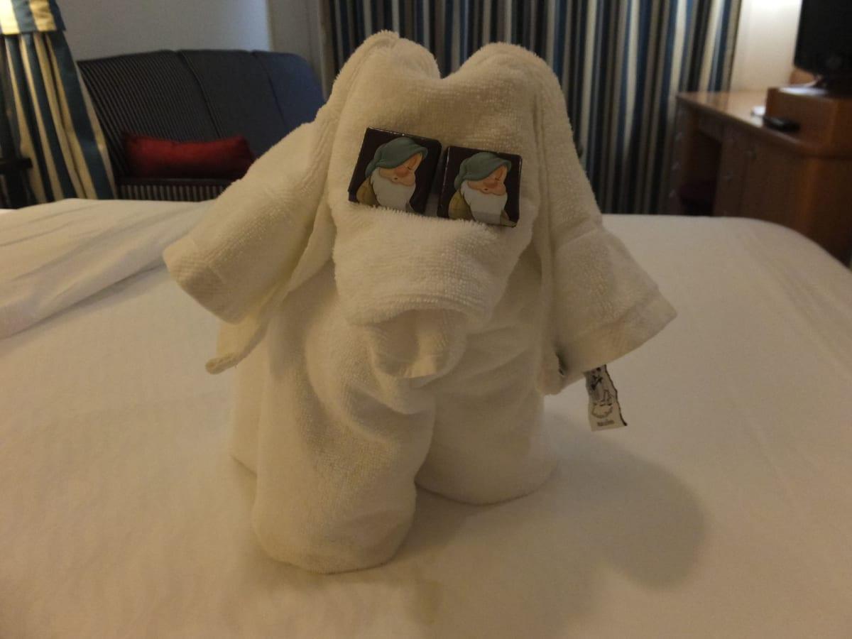 Towel Folding 2日目 | 客船ディズニー・マジックの客室