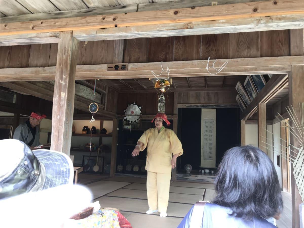 石垣島やいま村での踊りの披露   石垣島