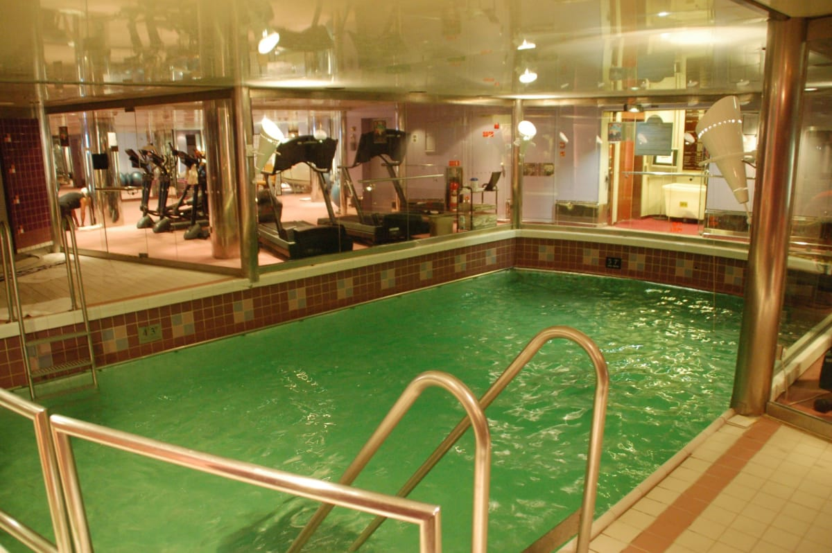 客船クイーン・エリザベス 2の船内施設