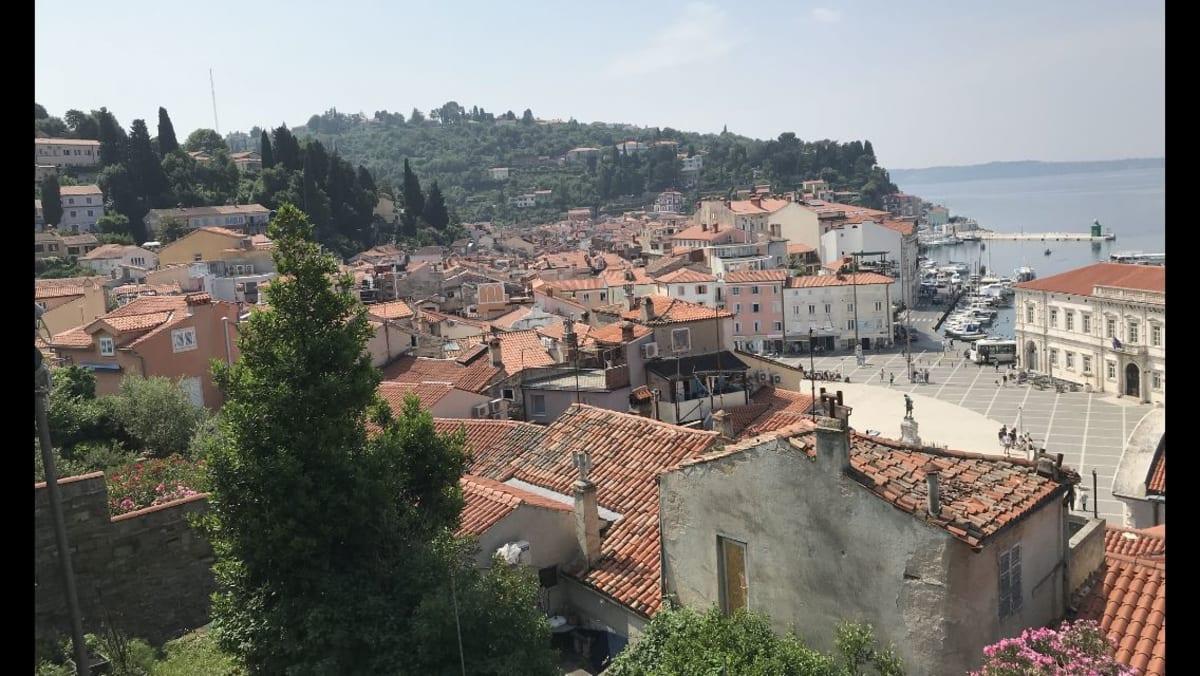 ピランの町の高台からの風景   コペル