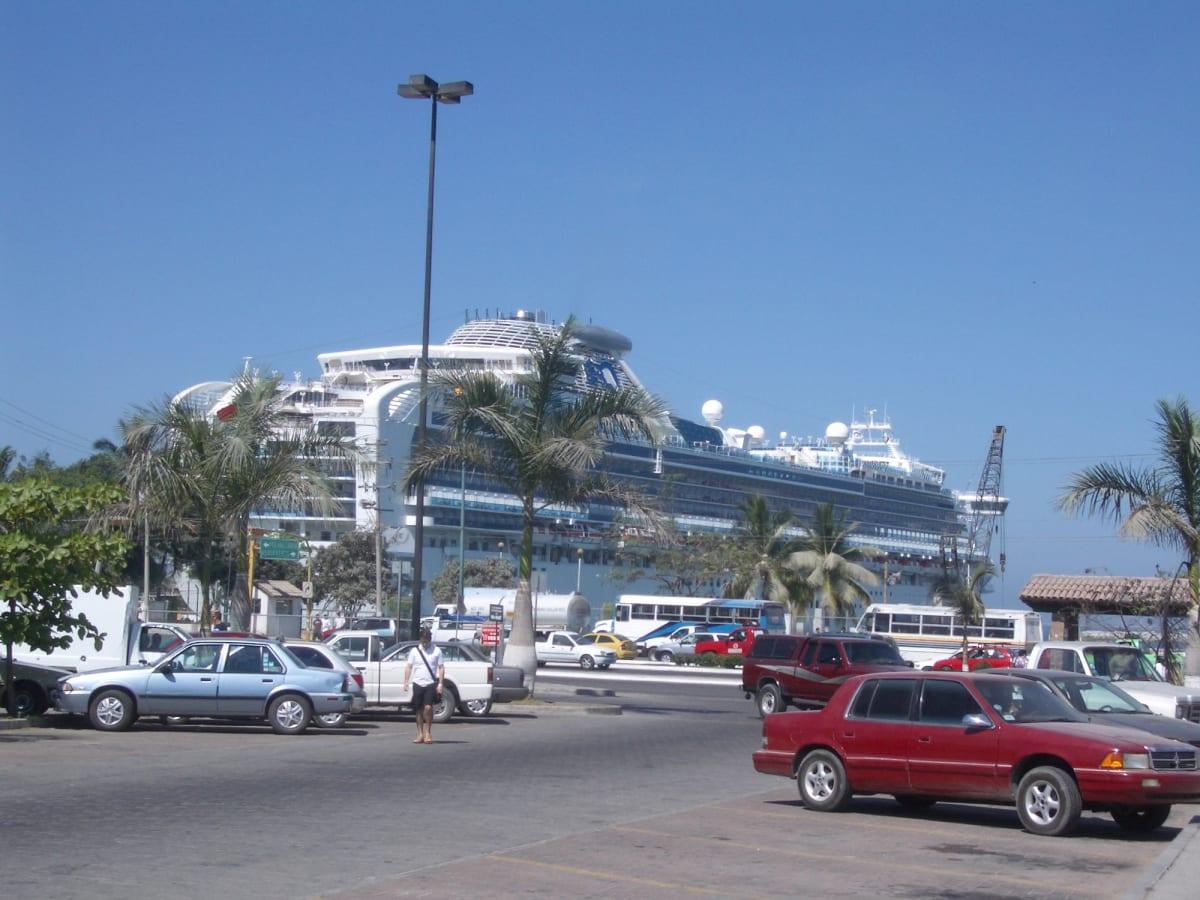 プエルトパジャルタ(メキシコ) | プエルト・バジャルタでの客船サファイア・プリンセス
