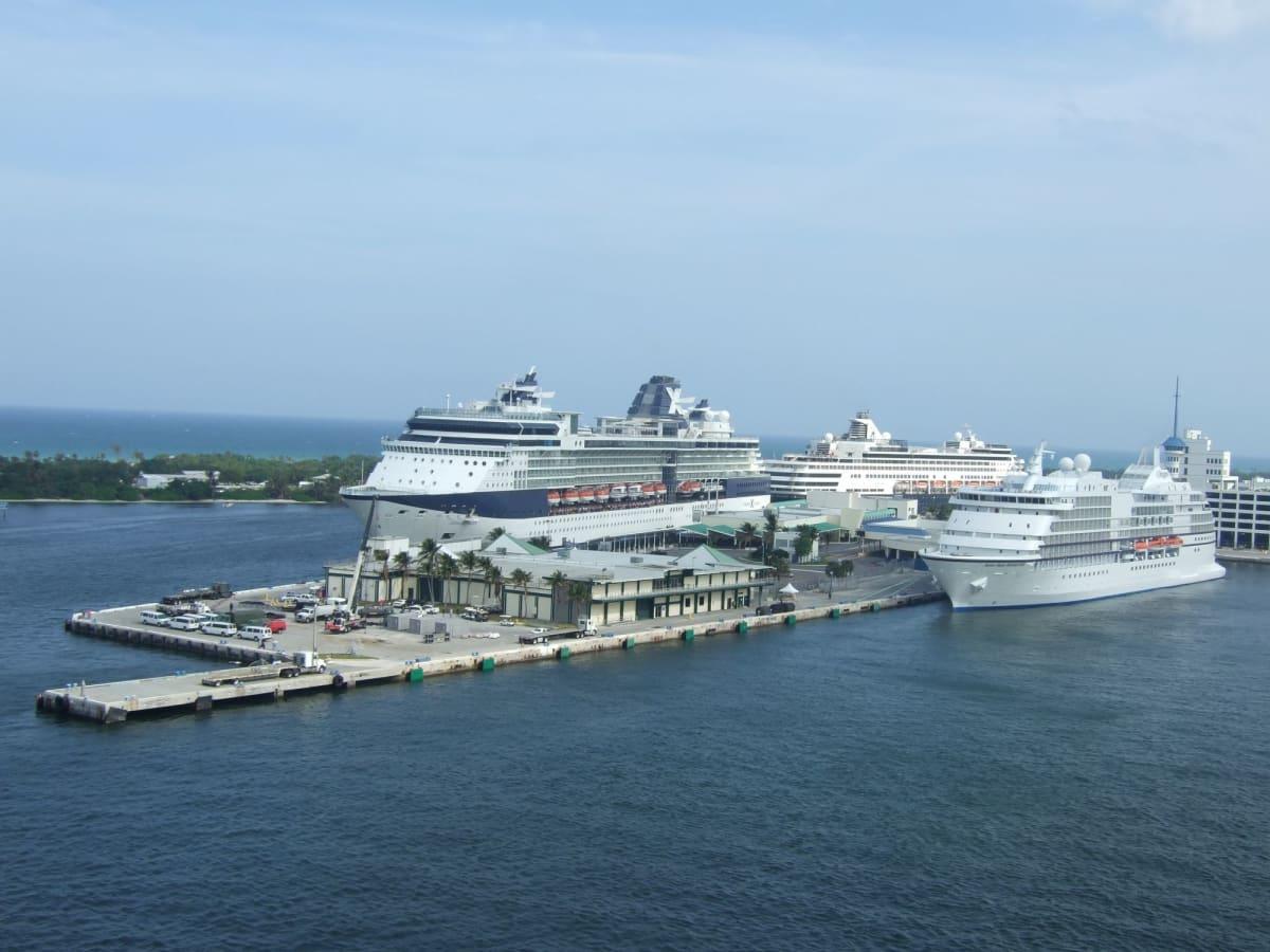 エバーグレイス港 フォートローダーデール   フォートローダーデール(フロリダ州)での客船セレブリティ・ソルスティス