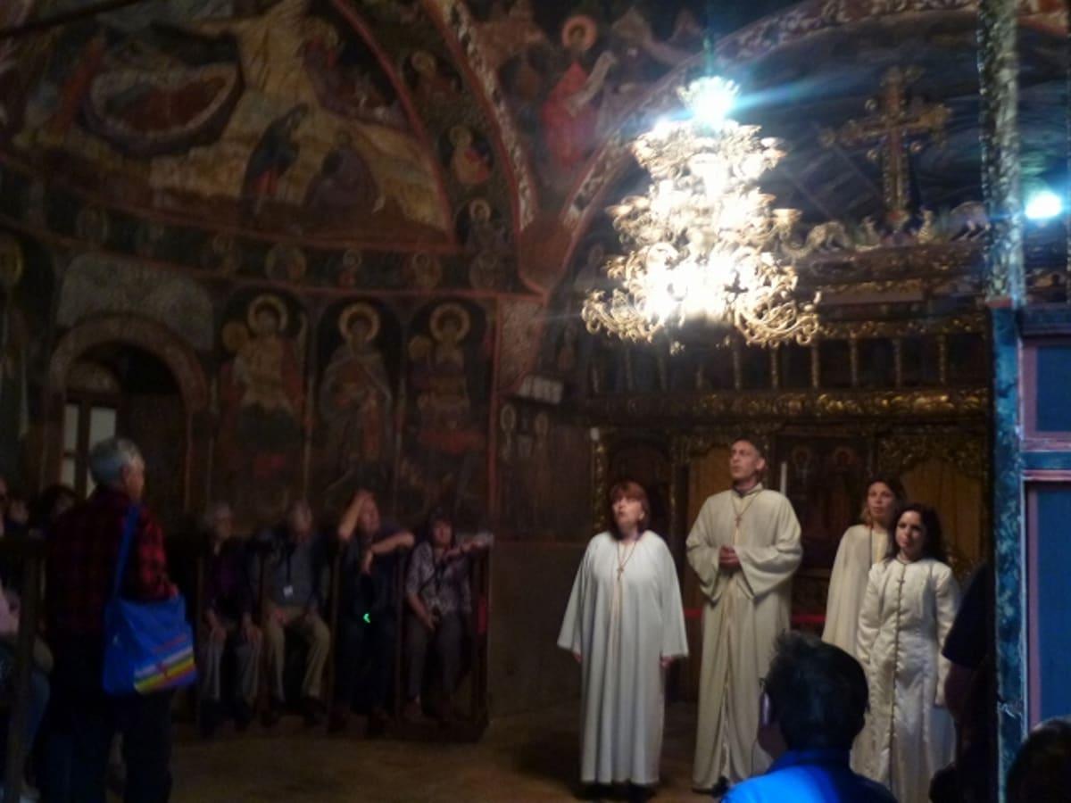 アルバナシの教会でアカペラの歌を聴いた。 | ルセ