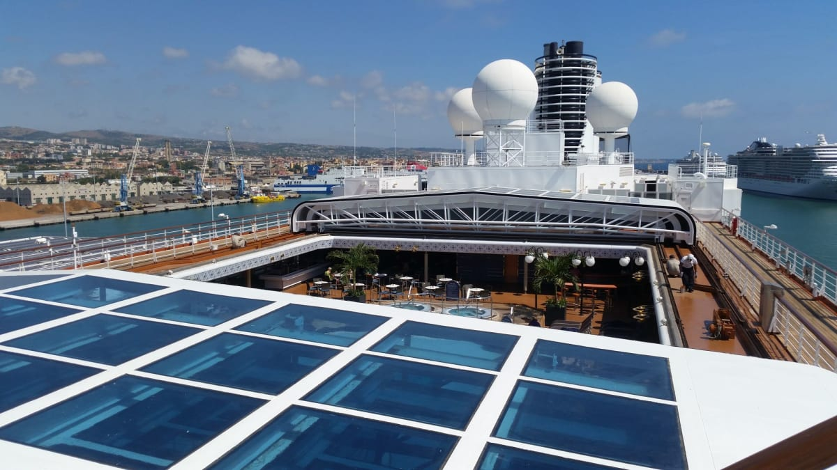 スライド天蓋。 | 客船ウエステルダムの外観