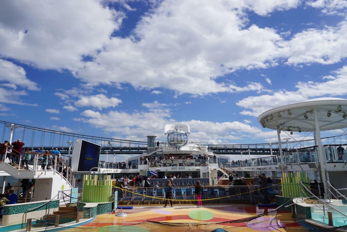 ヴェラザノ・ナロー・ブリッジを潜るのが最初のハイライト! | ケープ・リバティ(ニューヨーク)での客船アンセム・オブ・ザ・シーズ