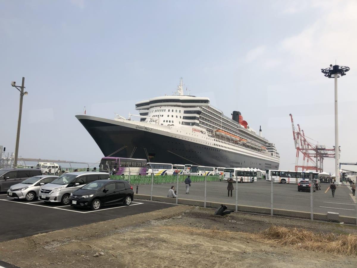 北九州入港は町をあげてのお祭りでした | 北九州での客船クイーン・メリー2