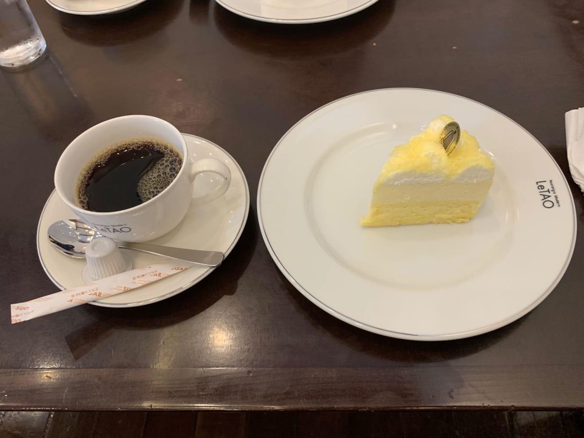 観光地の人気店にも関わらず、ケーキセットが大変良心的な価格でした。   小樽
