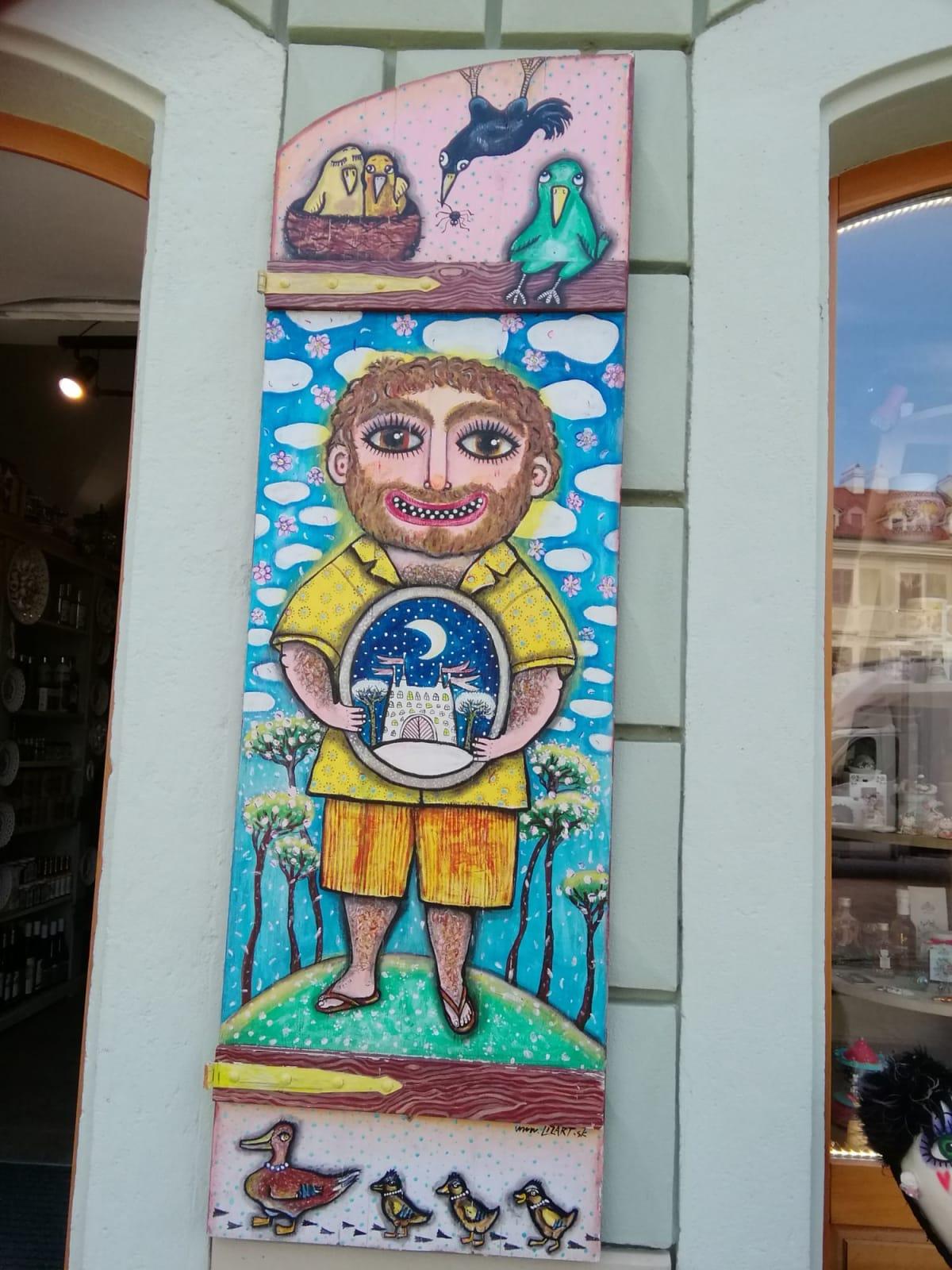 ブラチスラバ観光中に見つけました。お土産屋さんの入口にあり、とても気に入った1枚です。   ブラチスラヴァ