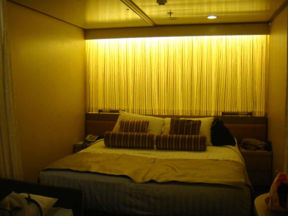 インサイドの部屋だが、別に閉塞感とかはなく、充分快適。 | 客船フォーレンダムの客室