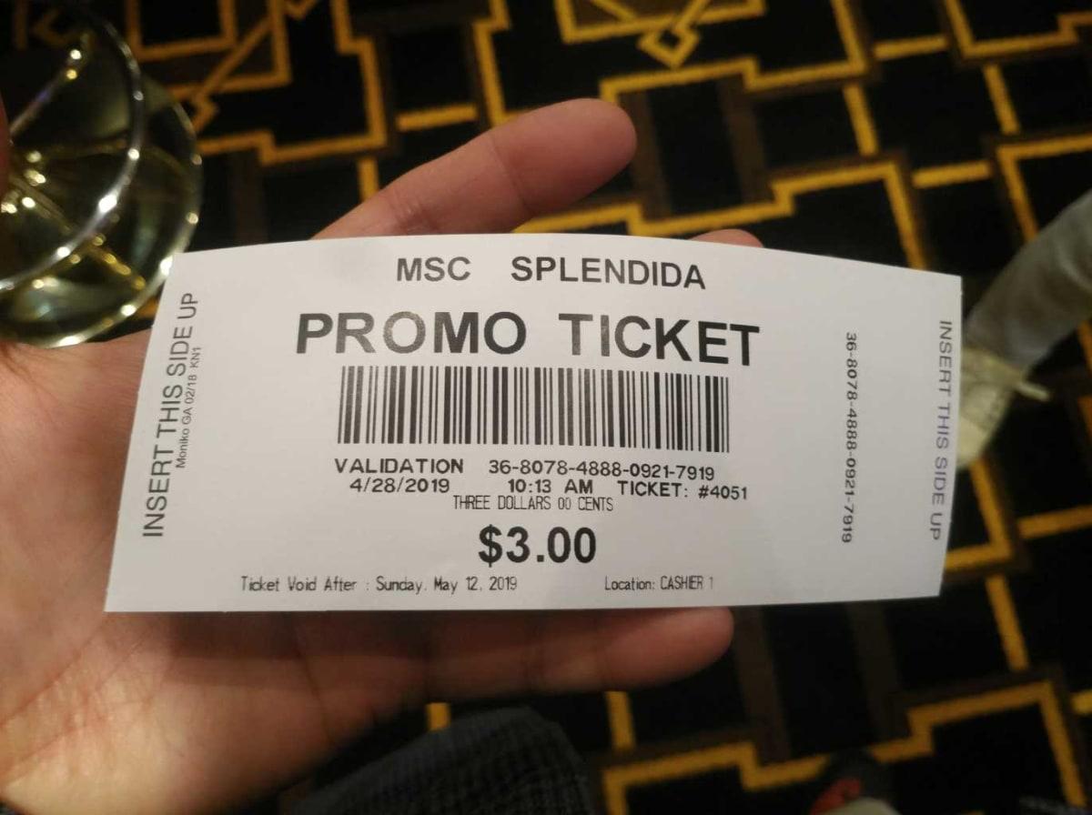 カジノで配布されていた3ドル分のプロモーションチケット。このままスロットマシンに挿入すると、3ドル分遊べます。 | 客船MSCスプレンディダのアクティビティ、船内施設