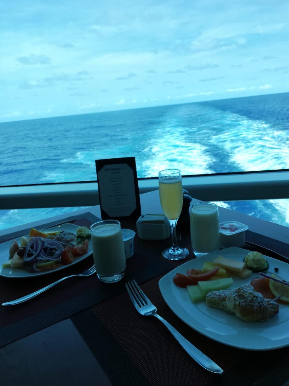 朝食 キャプテンズクラブレストラン(タスカングリル)