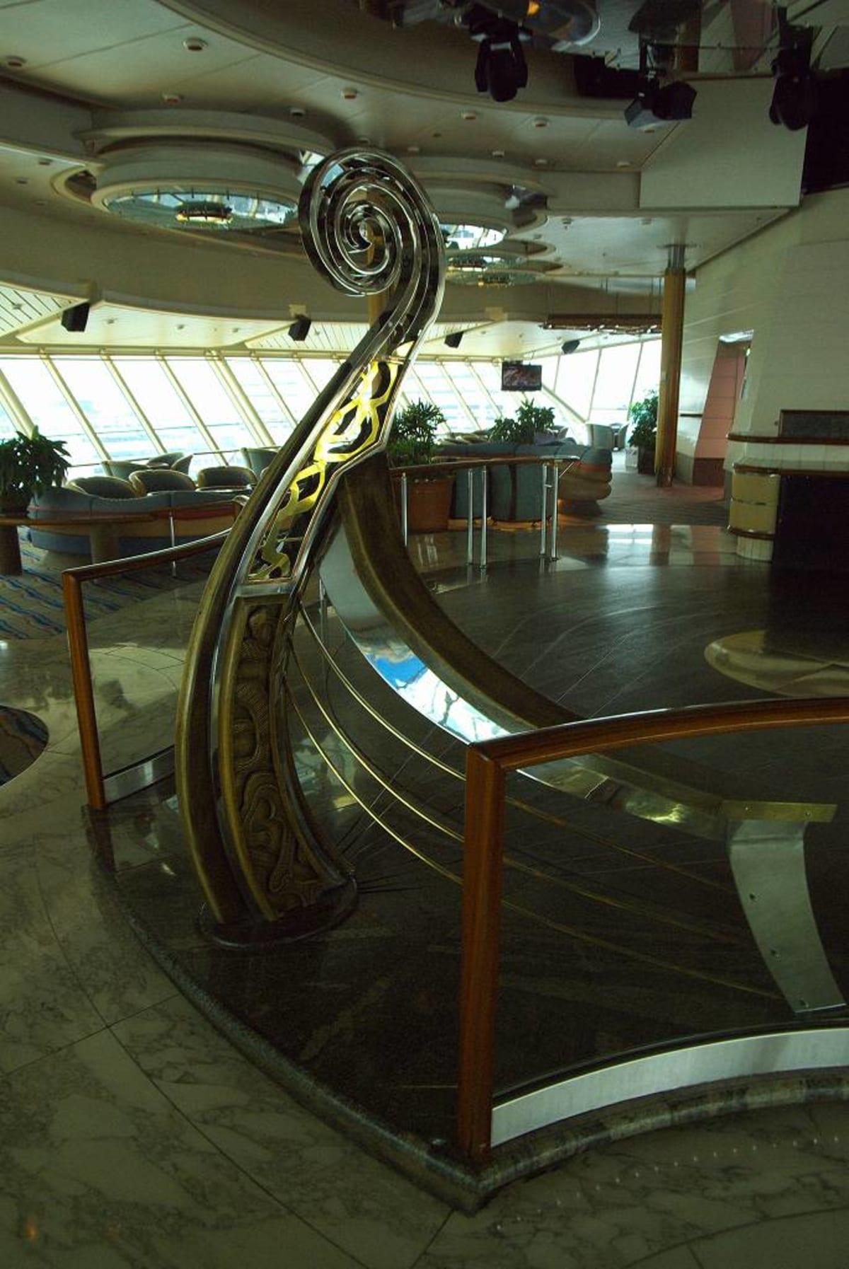 客船レジェンド・オブ・ザ・シーズの船内施設