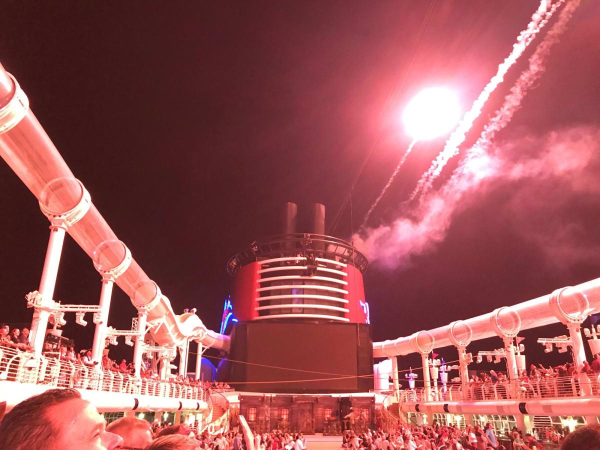 パイレーツナイト | 客船ディズニー・ファンタジーのアクティビティ、船内施設