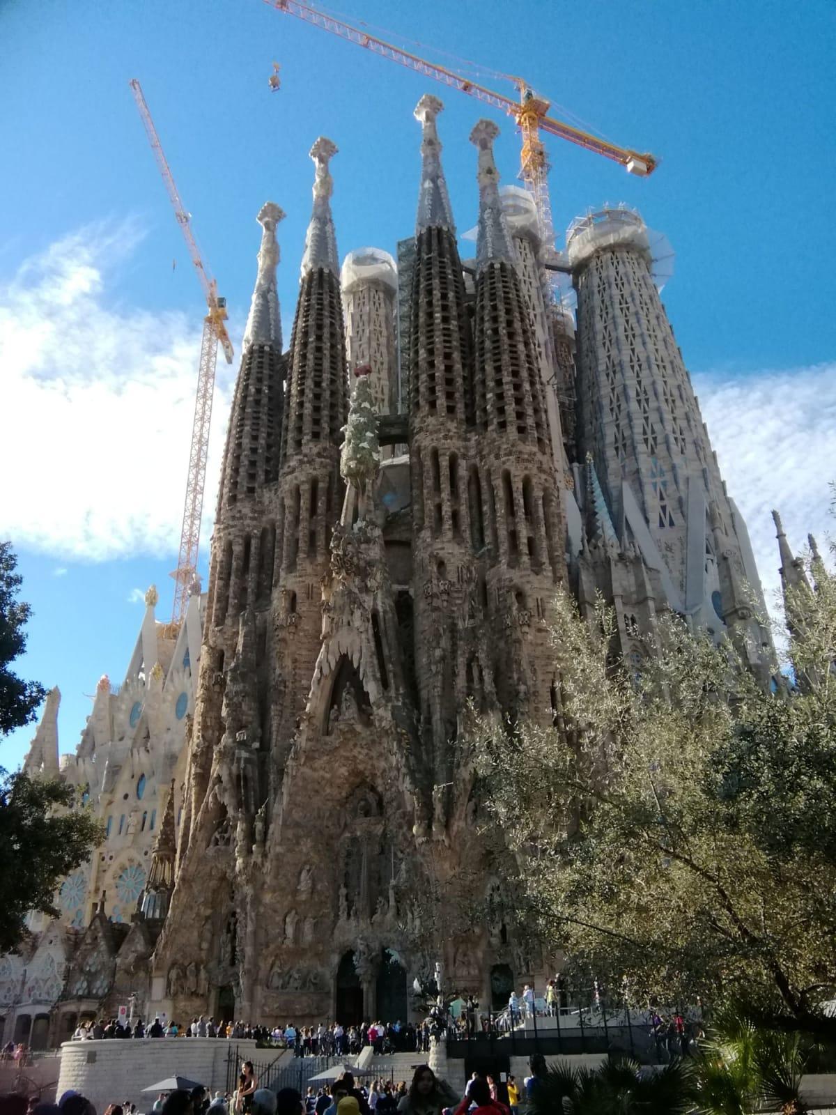 サグラダファミリア、2030年完成予定から2026年完成へ、変更されたそうです。 | バルセロナ