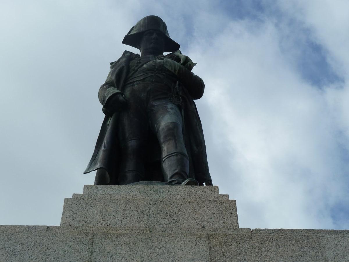 アジャクシオの英雄ナポレオン | アジャクシオ