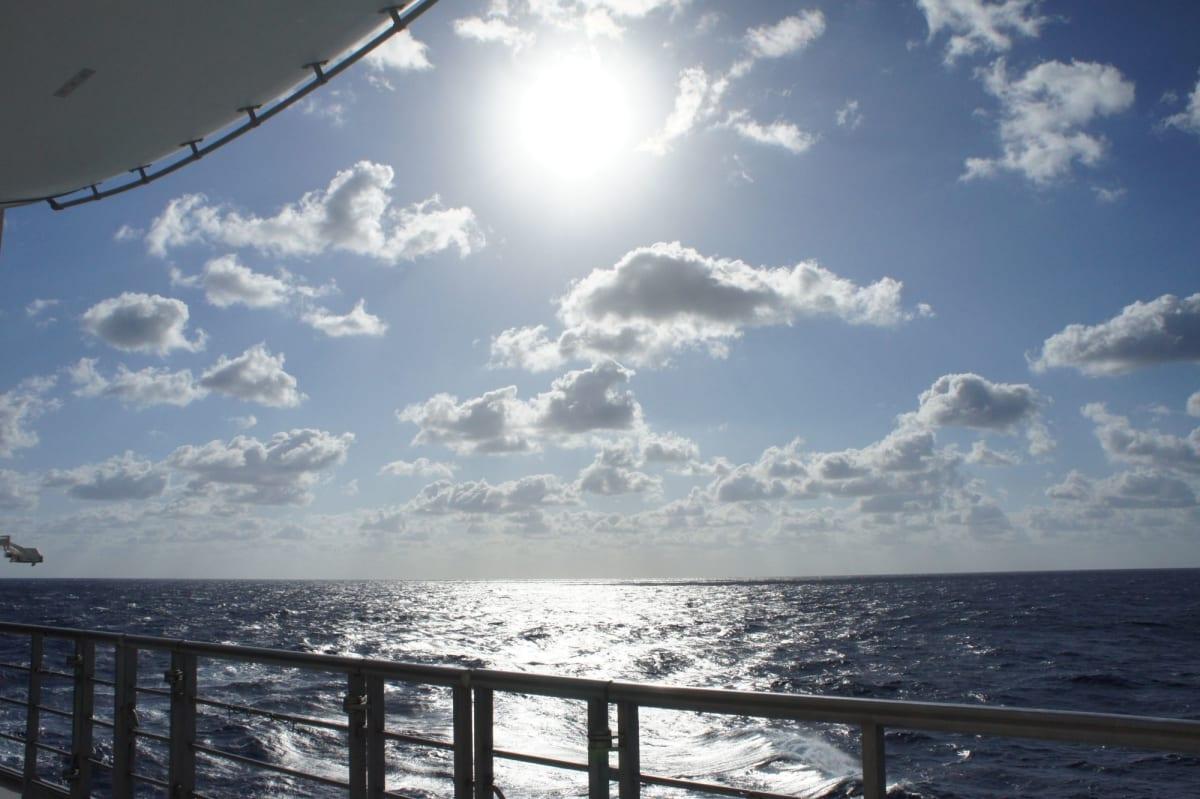 水平線を楽しむ   客船コスタ・ビクトリアの船内施設