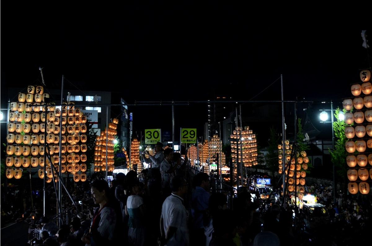 観覧席からの竿燈祭り | 秋田