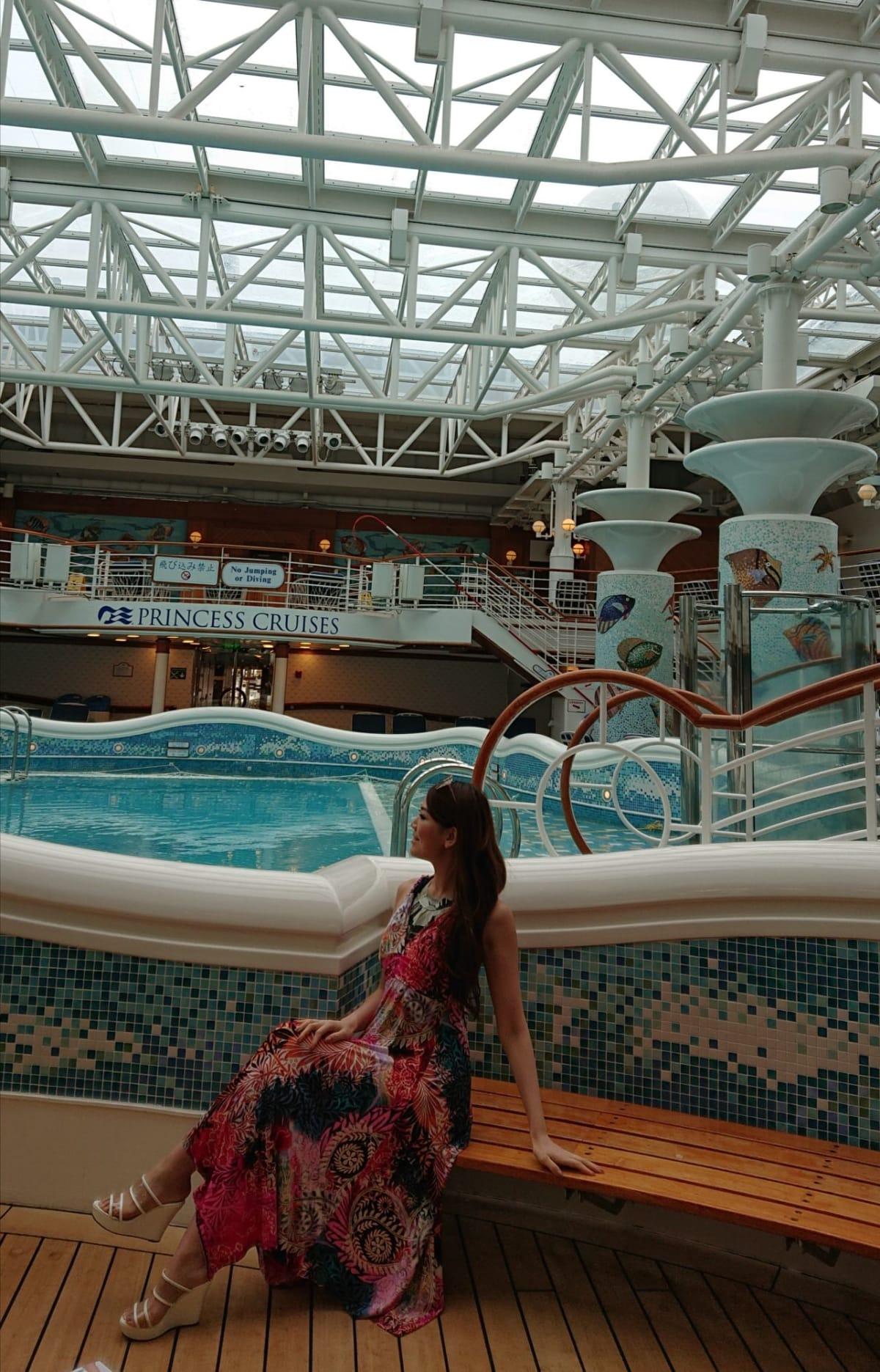 屋内プールとジャグジー 毎日はいってました。 | 客船ダイヤモンド・プリンセスの乗客、船内施設
