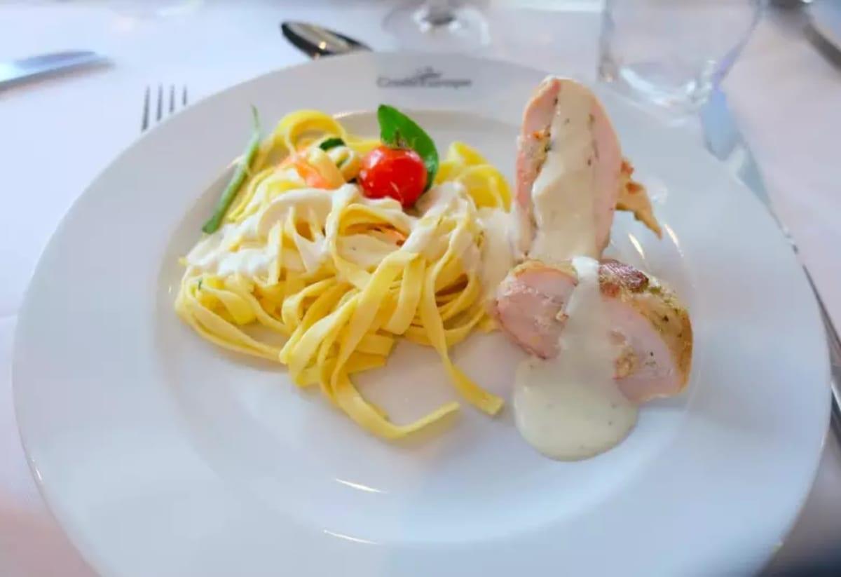 見た目もすごくキュート!味は言うまでもなく、素晴らしいです! | 客船MSラファイエットのダイニング、フード&ドリンク
