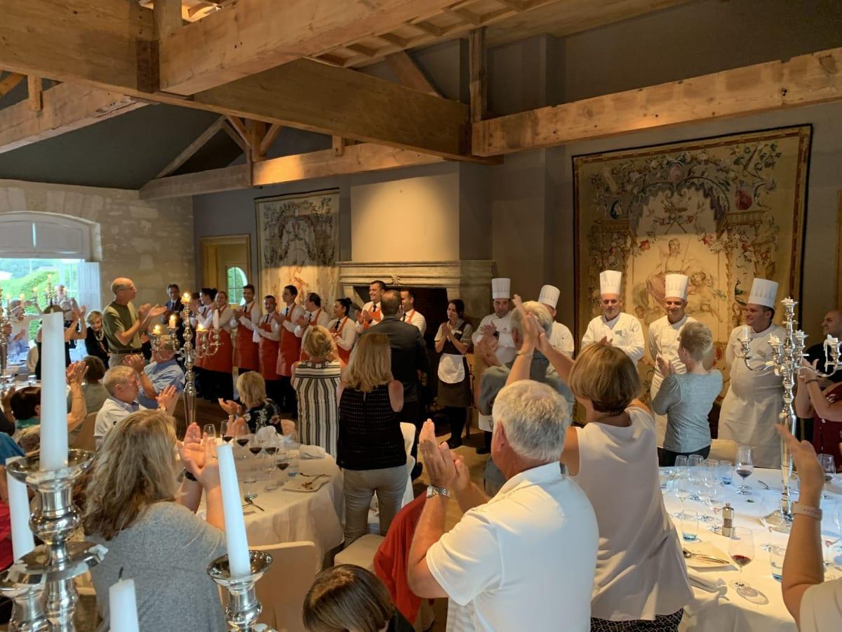 ボルドーのシャトウ:キアワンでの夕食。パイキングのクルー総出のサービスに感動! | ボルドー