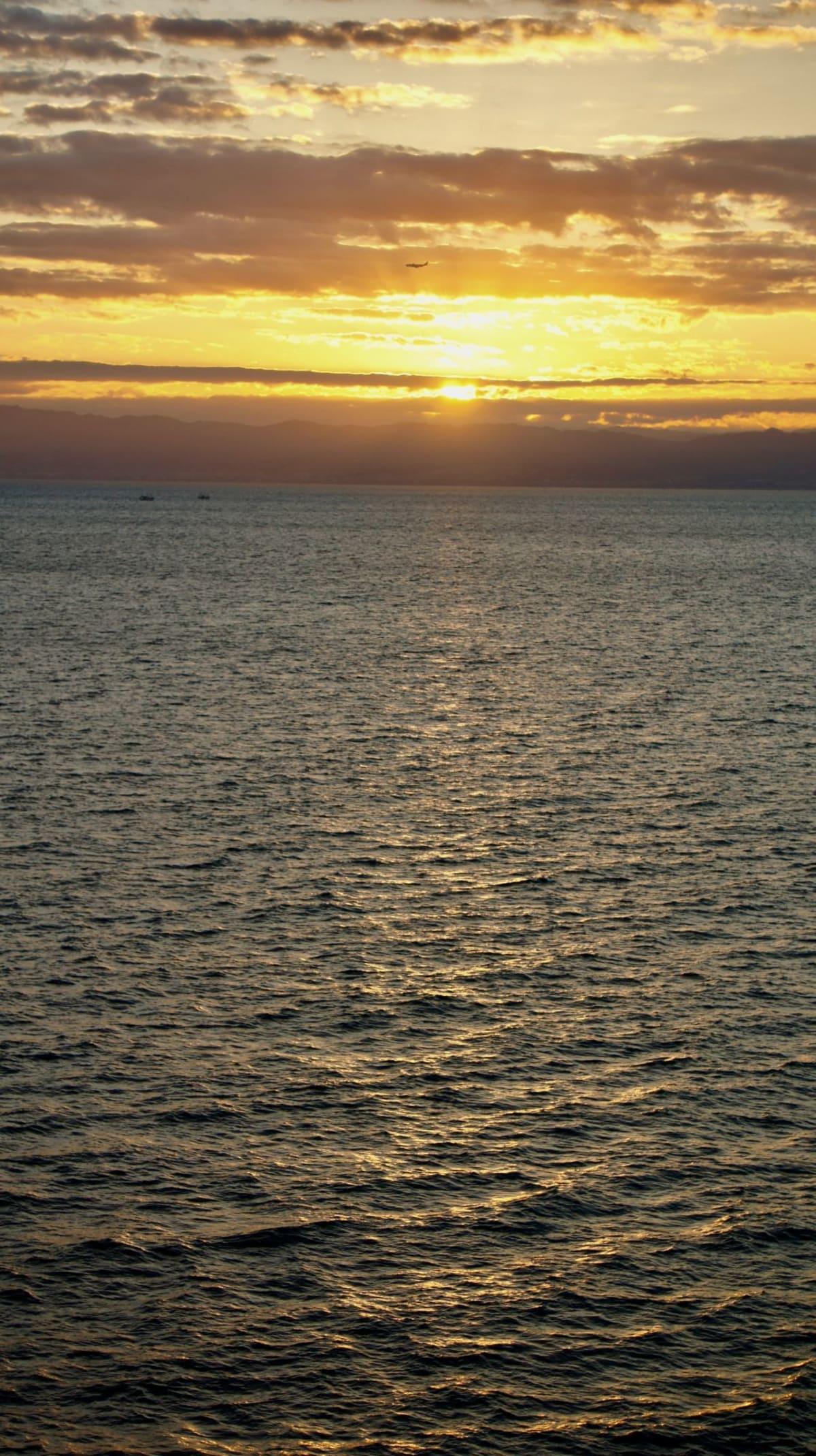 3日目。海から朝日を眺めるのは初めての経験でした。