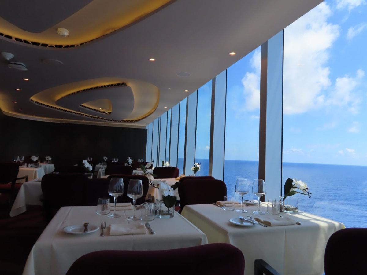 レストラン横も眺めが良いです。 | 客船MSCシーサイドのダイニング