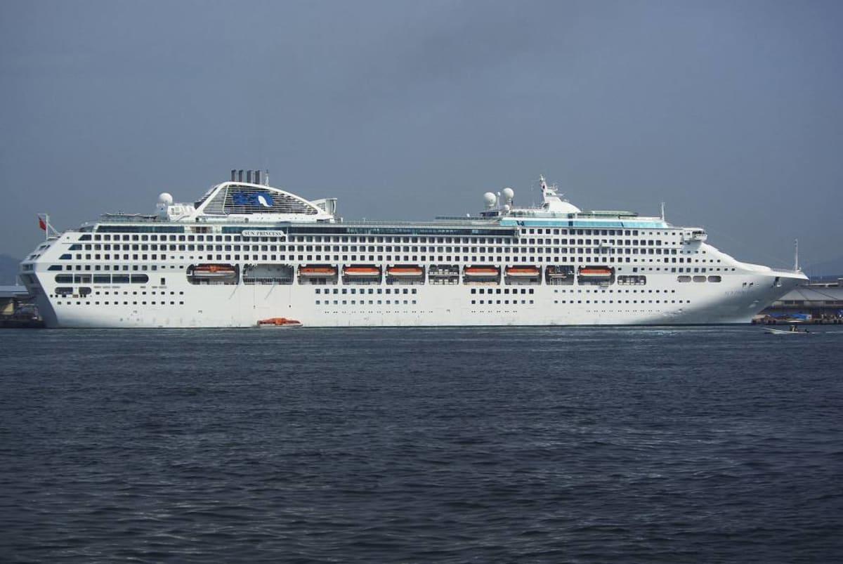客船サン・プリンセスの外観