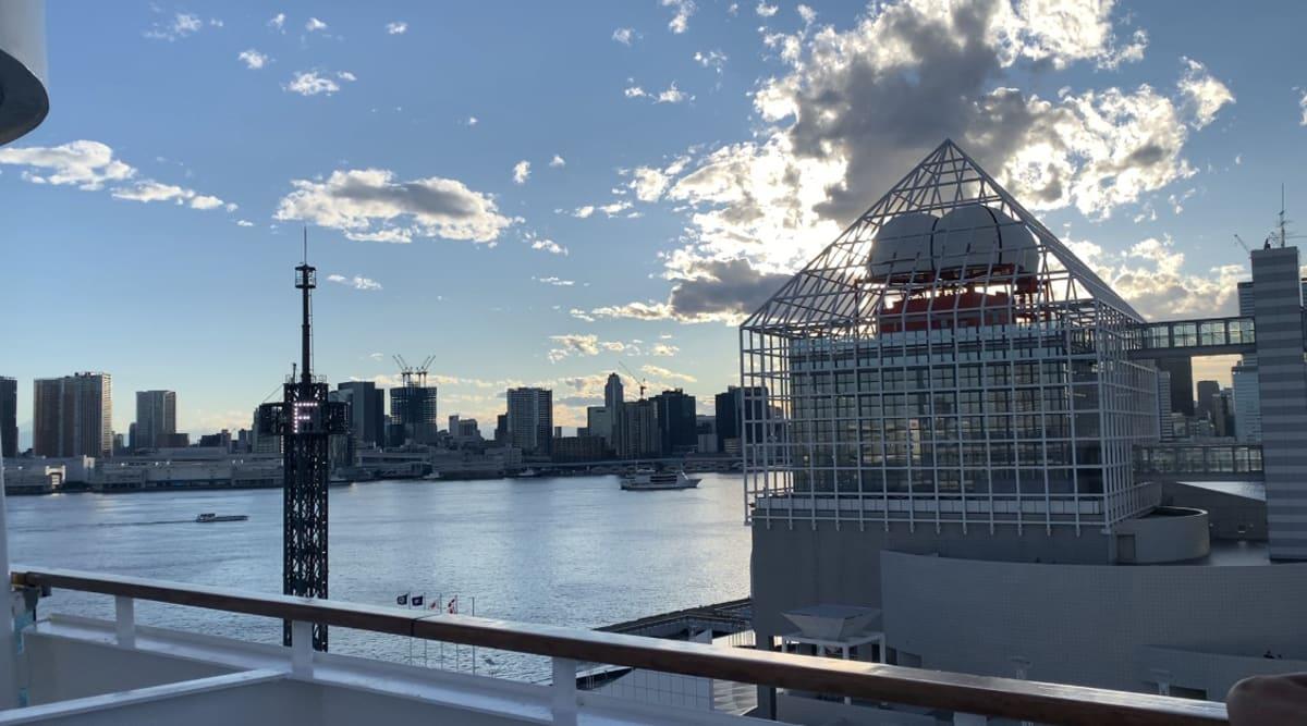 東京も2日間に変更になりました。 出航時の写真です。 | 東京