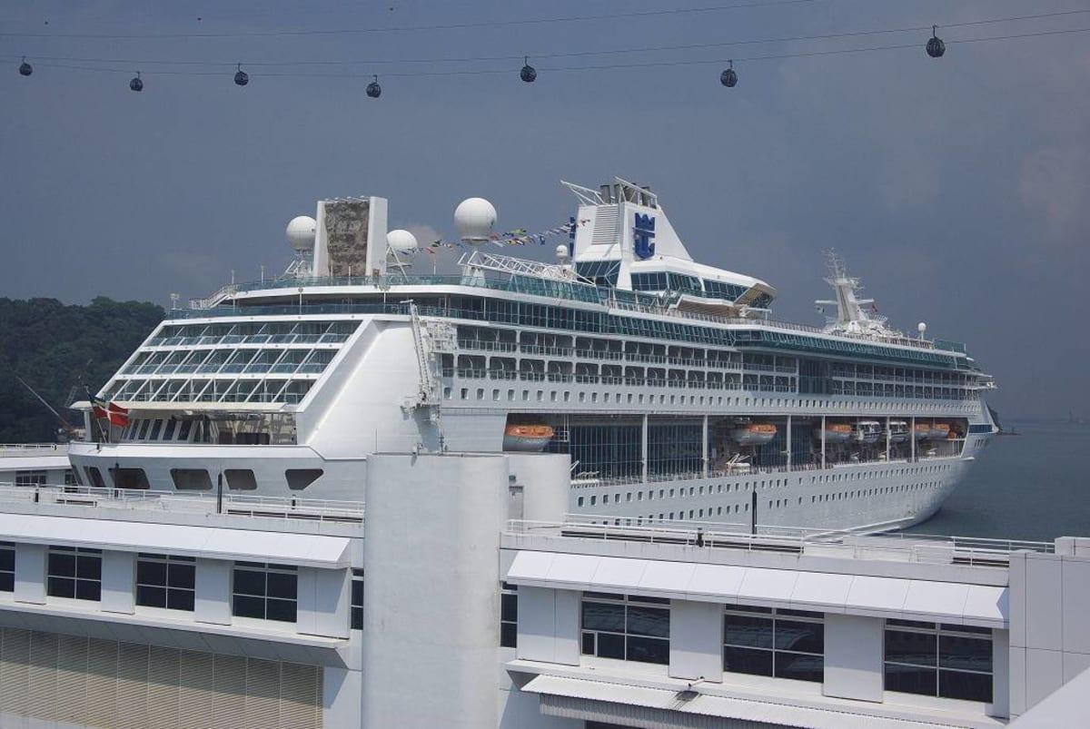 客船レジェンド・オブ・ザ・シーズの外観
