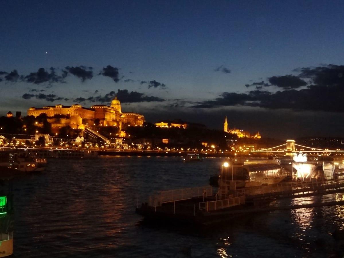 ブダベストの夜景   ブダペスト