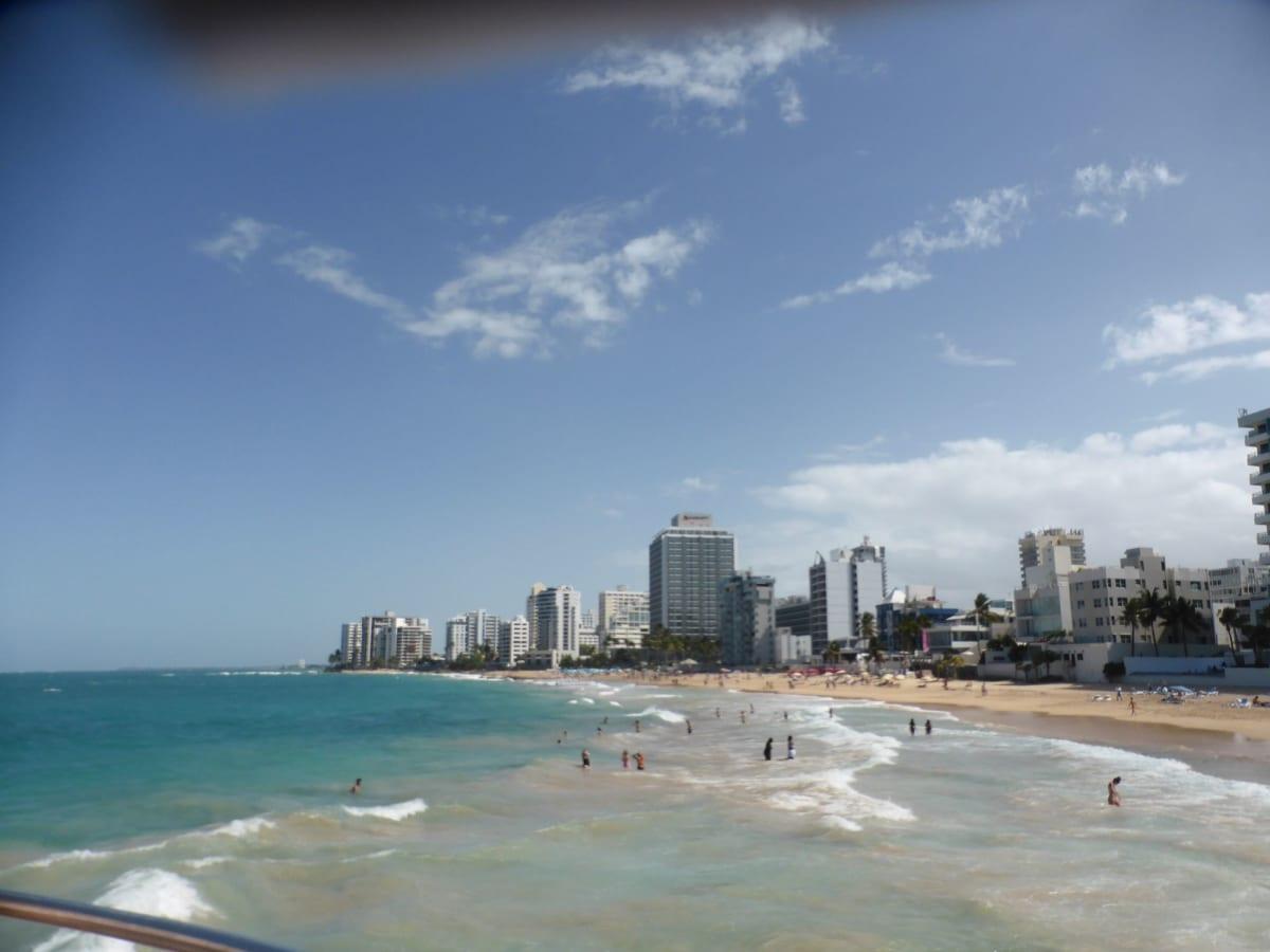 新市街のビーチ