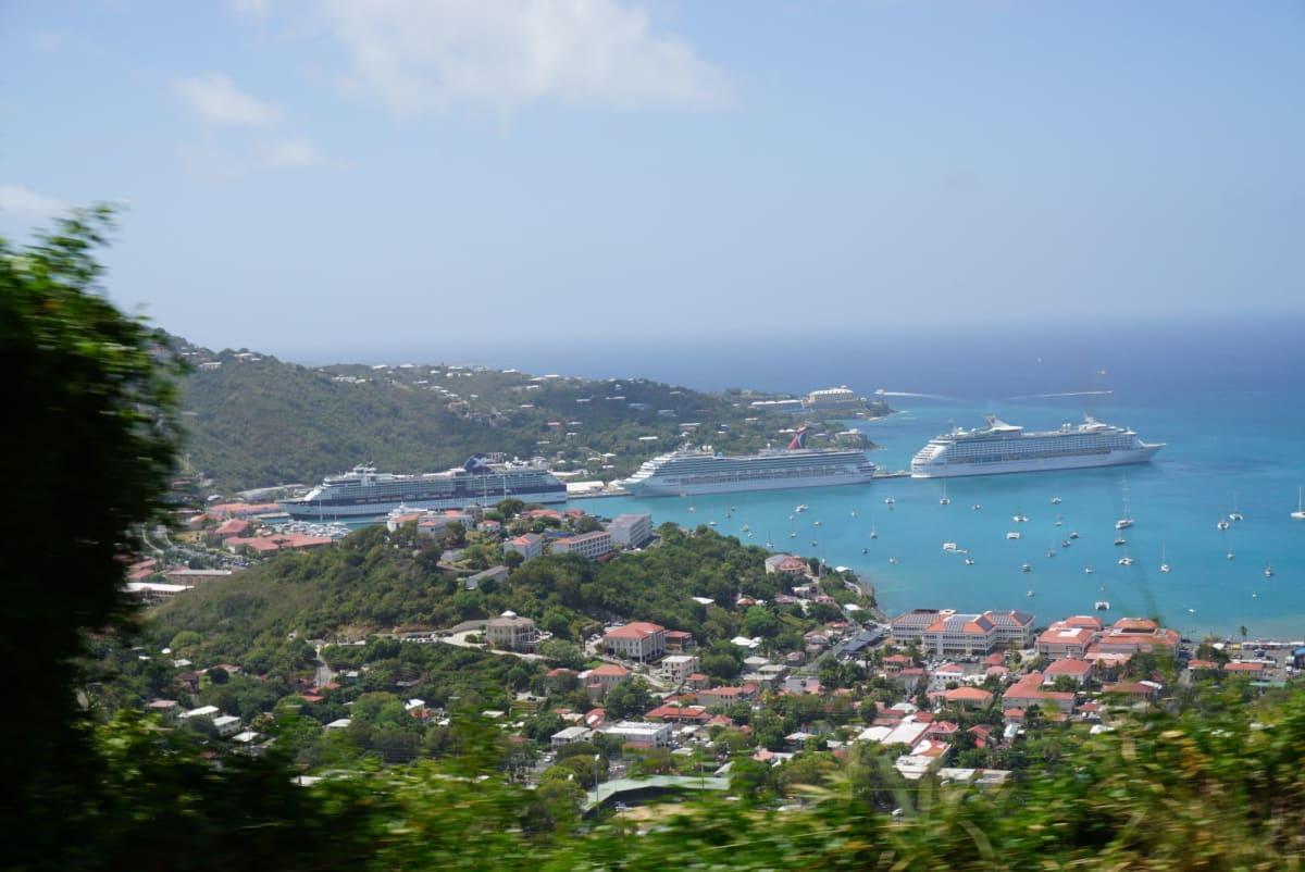 シャーロットアマリー | シャーロット・アマリー(セント・トーマス島)での客船アドベンチャー・オブ・ザ・シーズ