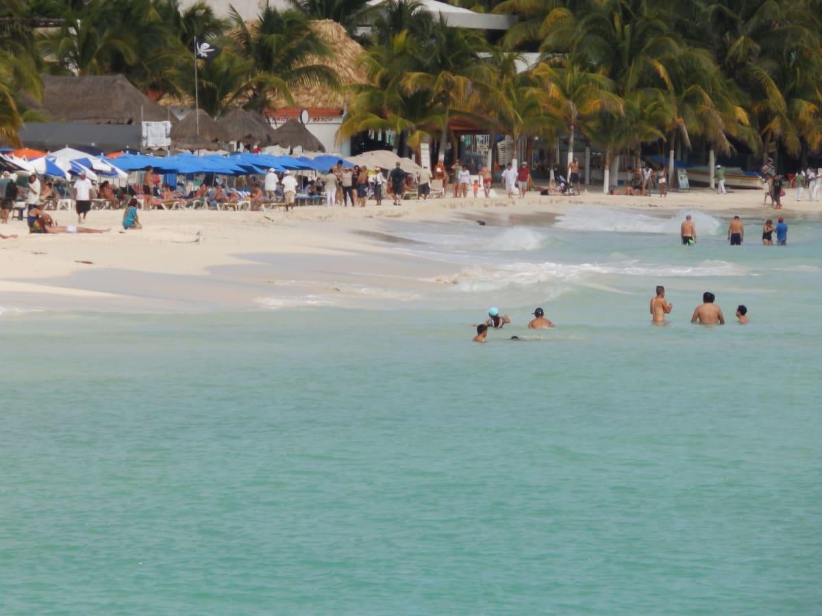 船会社所有のプライベートビーチでのバーベキューも楽しかったで〜す🏖️今度は東カリブも行きた〜い😍