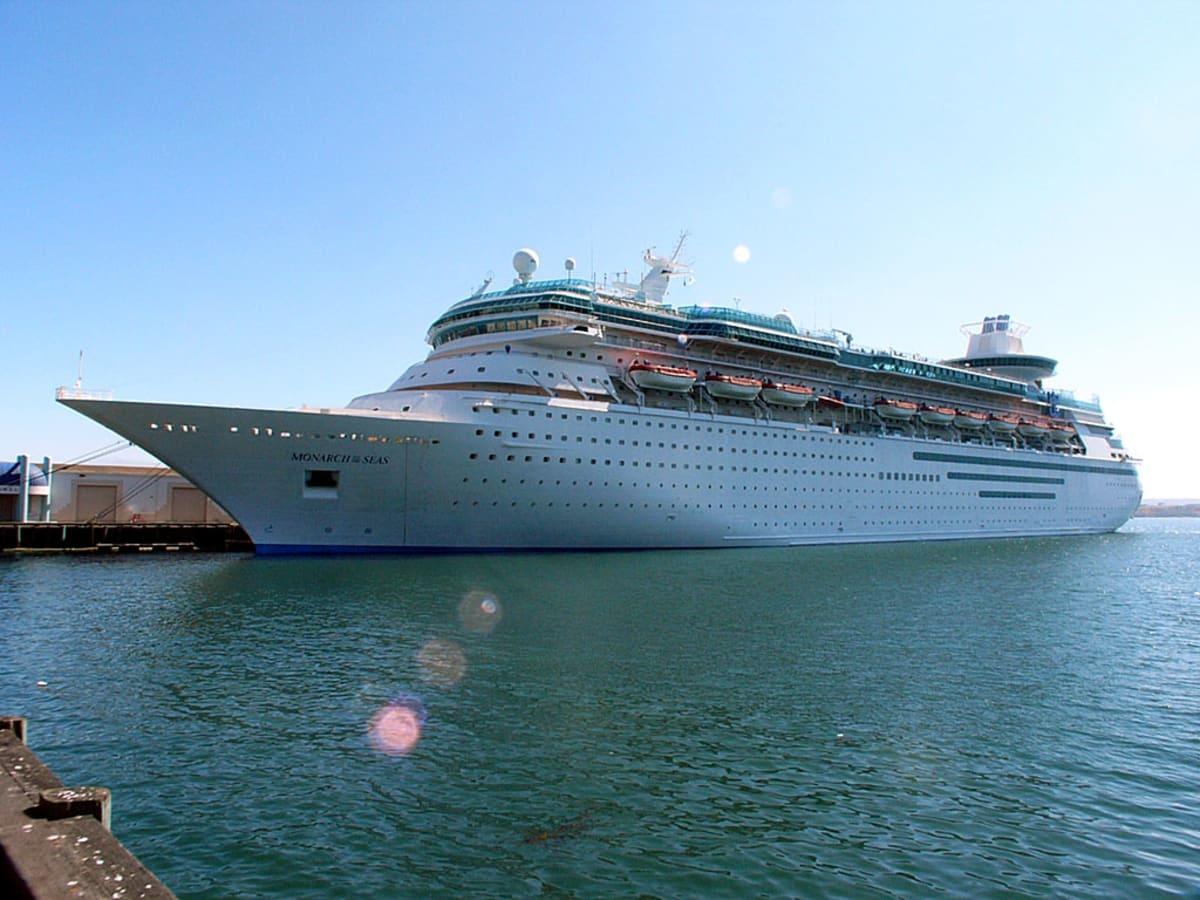 客船モナーク・オブ・ザ・シーズの外観