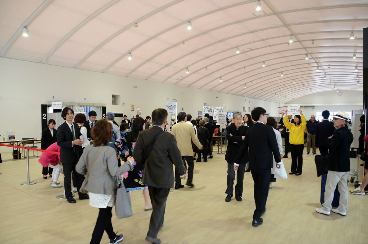 大黒ふ頭新客船ターミナル内 | 横浜
