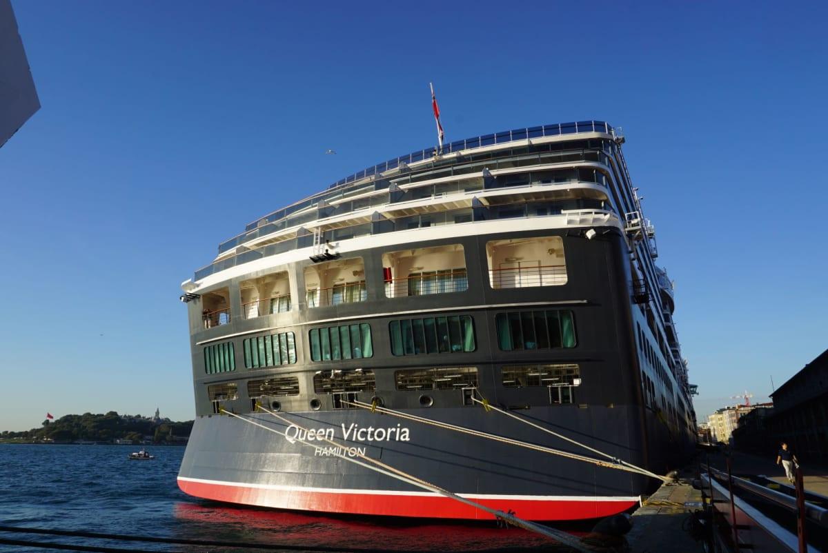 客船クイーン・ヴィクトリアの外観