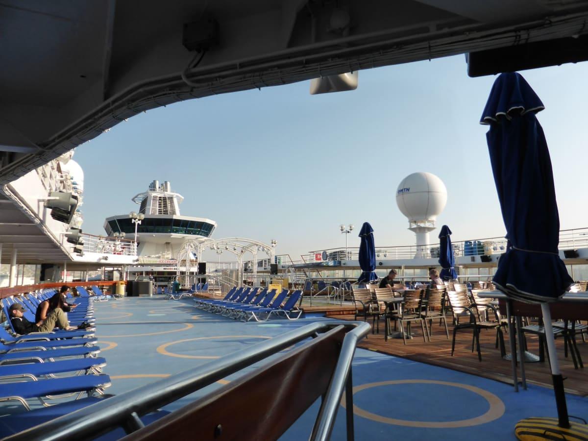 客船ルイス・オリンピアの船内施設