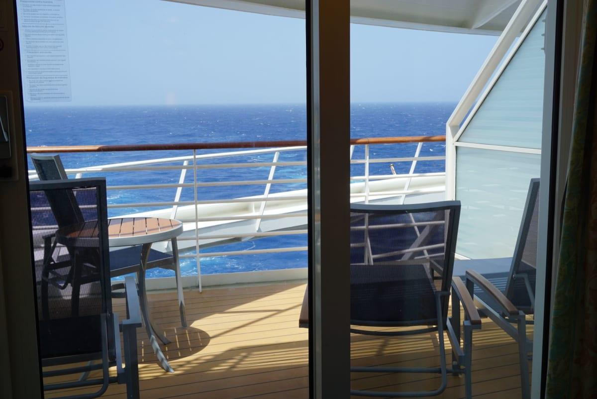 船尾のバルコニールーム | 客船アドベンチャー・オブ・ザ・シーズの客室