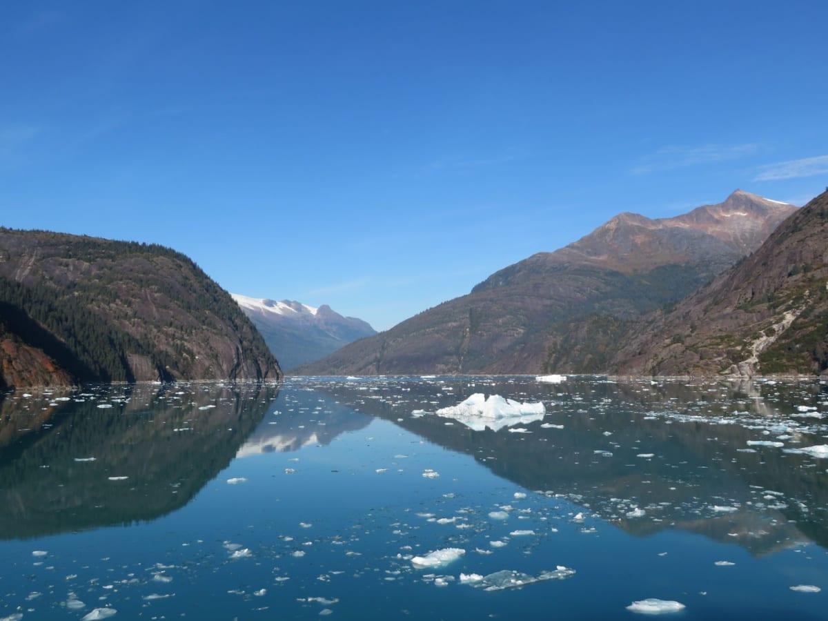 ハバ―トグレーシャーの流氷 | ハバード・グレイシャー(アラスカ州)