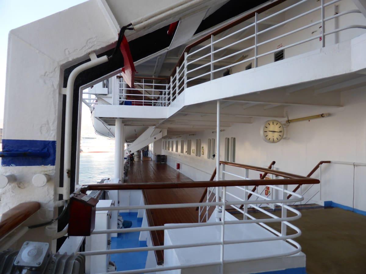 プロムナード | 客船ルイス・オリンピアの船内施設