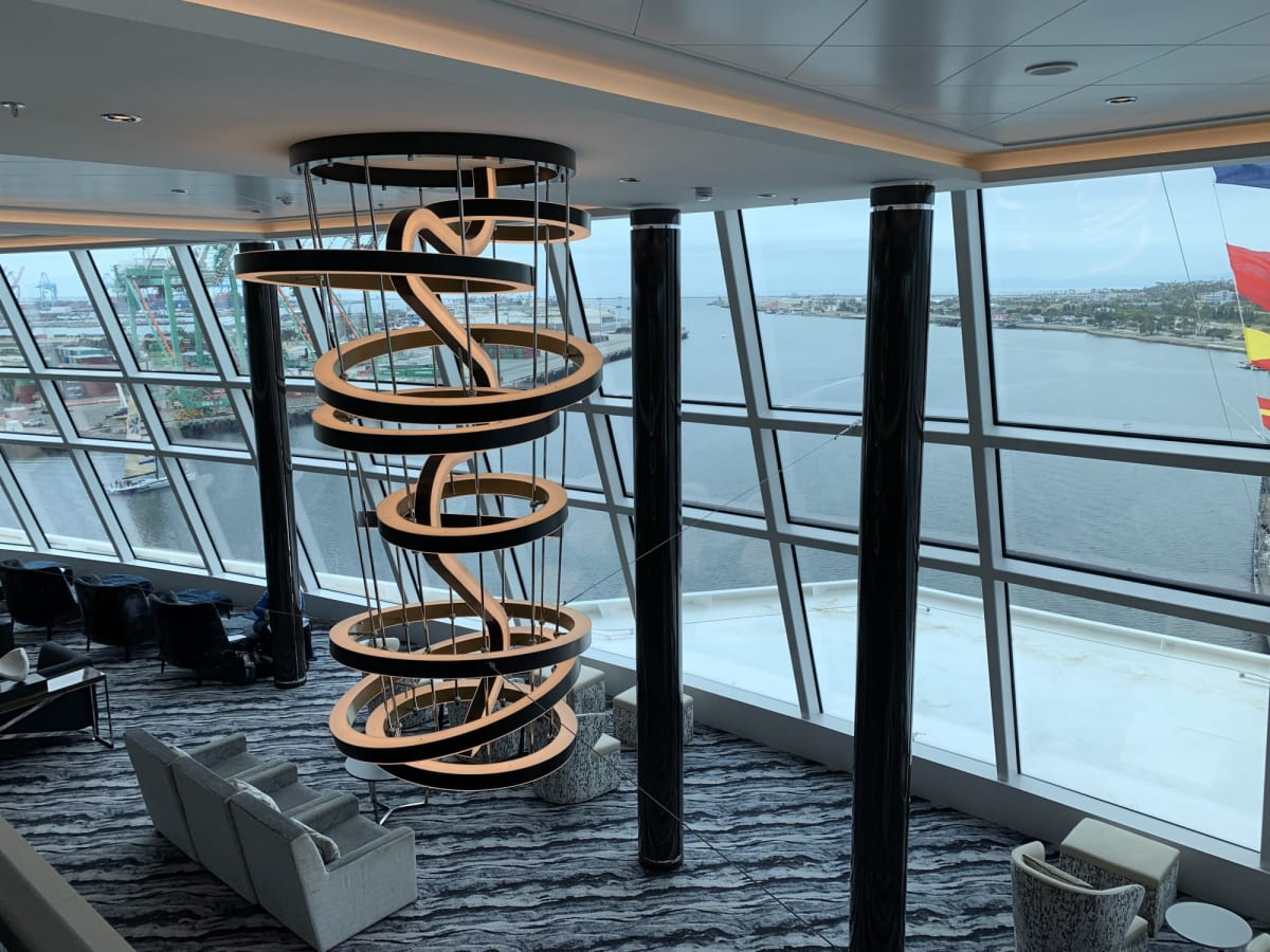 お気に入りのラウンジ1 | 客船ノルウェージャン・ブリスの船内施設