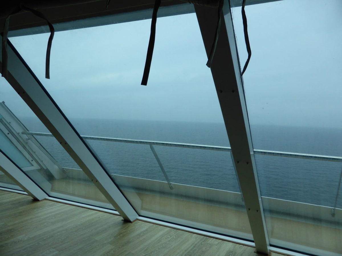 最高の景色がいつでも楽しめる | 客船コスタ・ネオロマンチカの客室