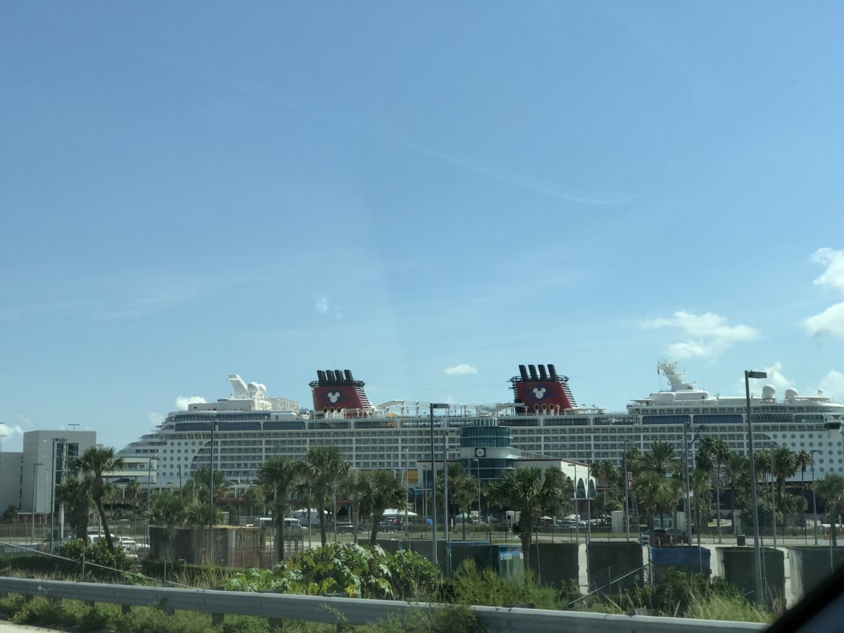 ポートカナベラルのファンタジー号 | 客船ディズニー・ファンタジーの船内施設