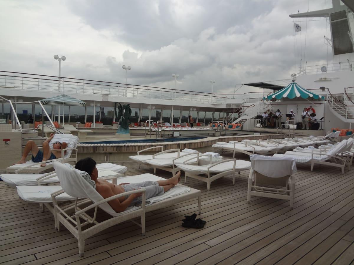 何もしない | 客船クリスタル・シンフォニーの乗客、船内施設